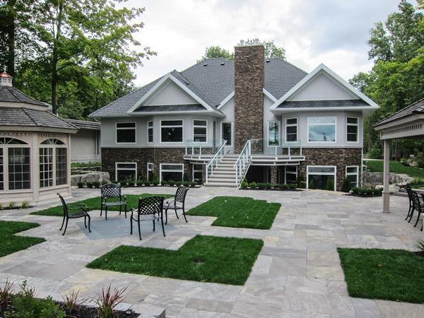 Lake Simcoe residence patio